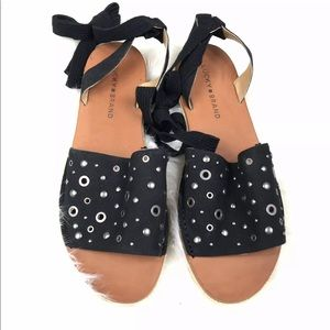 LUCKY BRAND Leather Flat Sandals Grommets 10M Blk